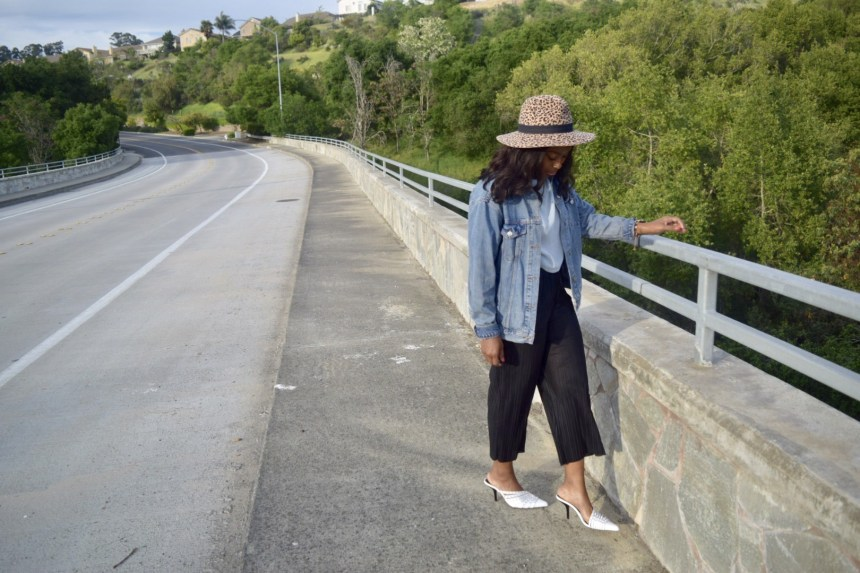 Leisurely Chic Style. Blogger Steffaniemonae.com is Leisurely Chic wearing a Zara Animal print brim hat, HM sheer crop top, Topshop cropped drawstring trousers and Zara pointed toe mule.